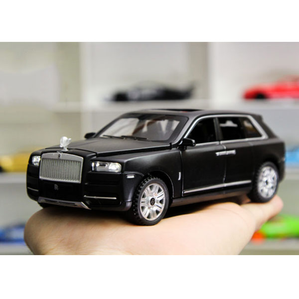 Xe Mô hình Rolls-Royce Cullinan tỉ lệ 1:32 màu đen – Chất Liệu Hợp Kim Cao Cấp
