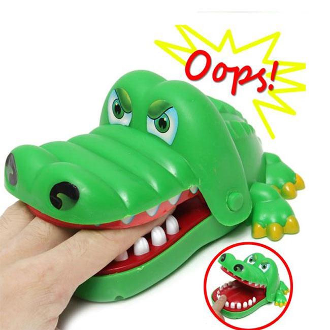 Đồ chơi kẹp cá sấu vui nhộn