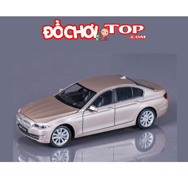 Xe mô hình ô tô BMW 535i tỉ lệ 1:32 màu vàng cát – Hợp Kim Cao Cấp