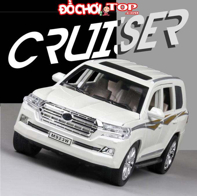 Xe mô hình Toyota Landcuiser tỉ lệ 1:24 hãng XLG màu trắng – Hợp Kim Cao Cấp